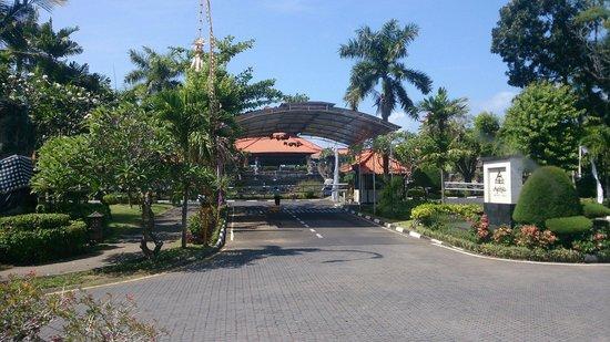 Ayodya Resort Bali : ゲート入り口