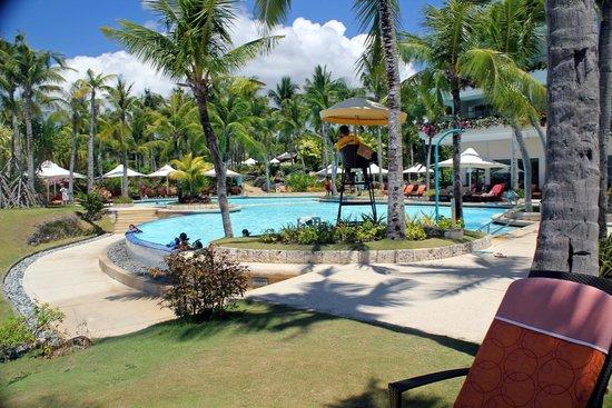 Shangri-La's Mactan Resort & Spa : HOTEL POOL