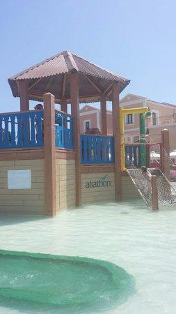 Aliathon Holiday Village: Splash pool