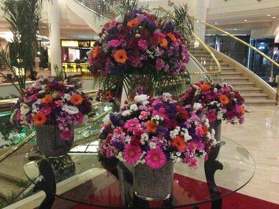 Rixos Downtown Antalya : цветы менялись через несколько дней
