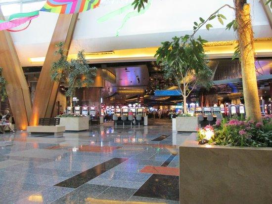 ARIA Resort & Casino: Lobby4