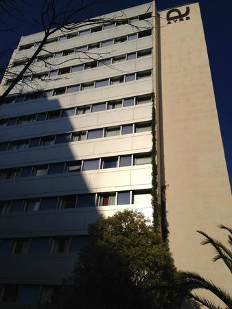 Ayre Gran Hotel Colon: High rise hotel