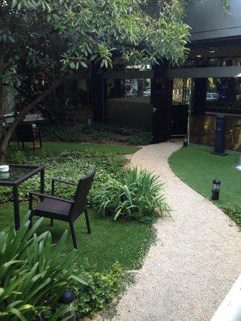 Ayre Gran Hotel Colon: Path to garden