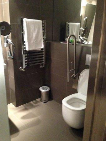 Ayre Gran Hotel Colon: Bathroom - Disabled room