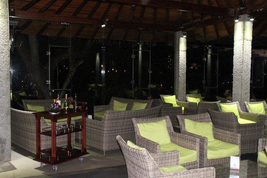 Hotel Thilanka: Cocktail & Mocktail  Bar