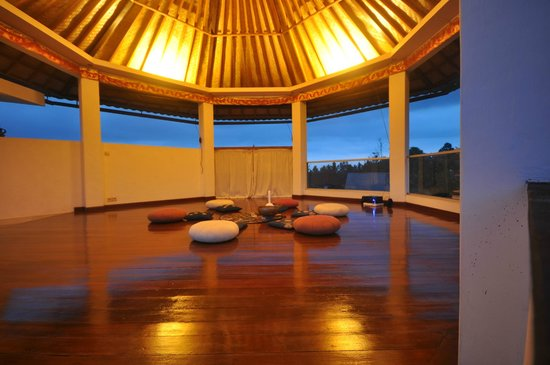 White Lotus Oasis: the meditation area !so beautiful