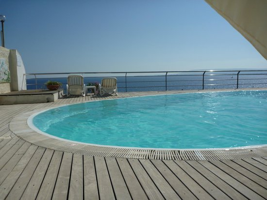 La Rosa sul Mare: The pool