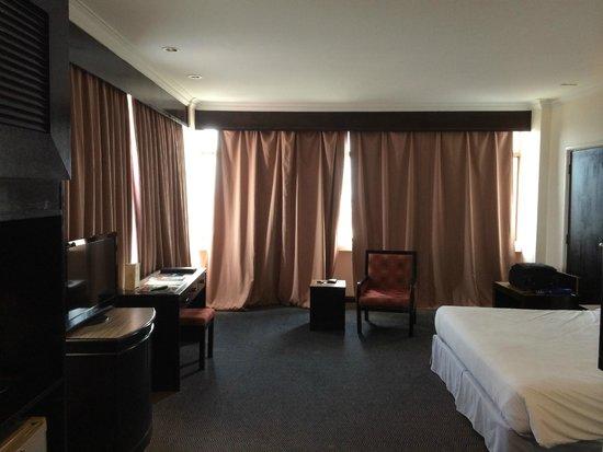 Wana Riverside Hotel : Room