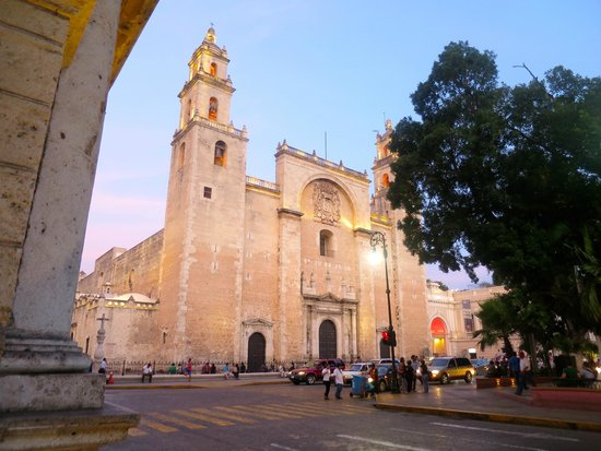 Merida Cathedral: Outside Cathedral