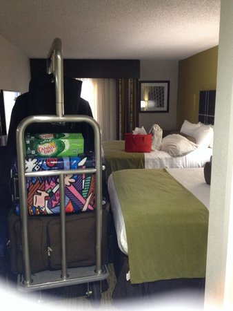 Best Western Plus Hanes Mall Hotel : Small but very clean and comfy