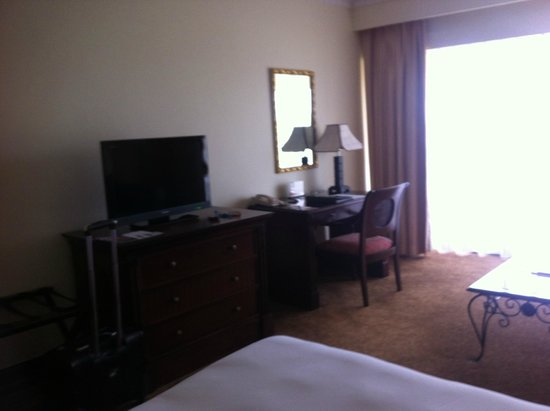 InterContinental Hotel Muscat : TV