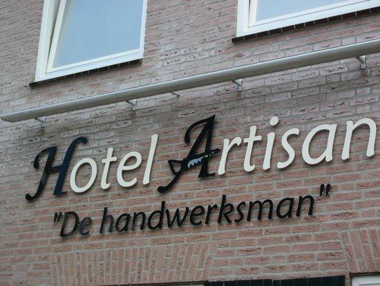 Hotel Artisan: Voorgevel van Hotel / Restaurant