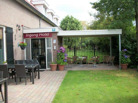 Hotel Artisan: Ingang hotel / Restaurant