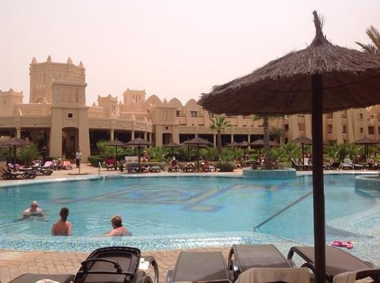 Hotel Riu Touareg: piscine et hotel