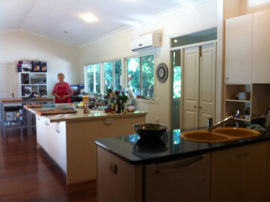 Tamborine Cooking School : The kitchen - food prep area