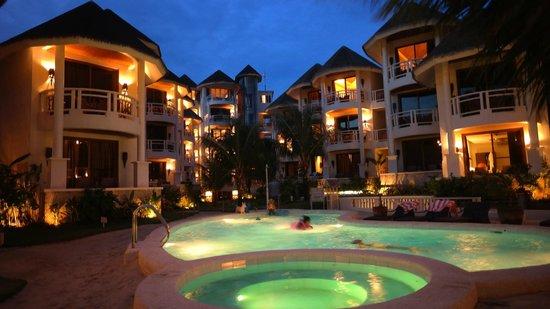 Ambassador in Paradise Resort: lovely pool