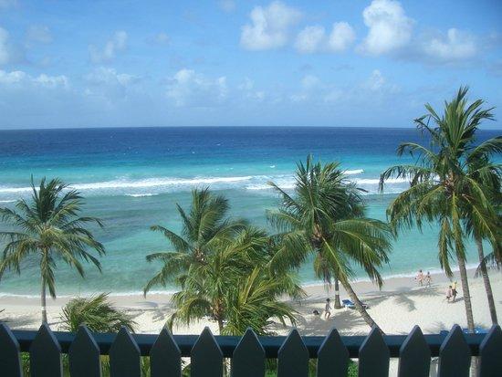 Coconut Court Beach Hotel : Upper floor view