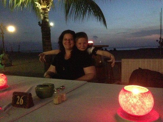 Ramada Bintang Bali Resort: Amazing dinner at sunset by the beach, PERFECT!
