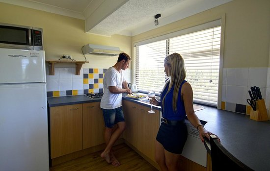 Seacove Resort : Cook up a treat in our one bedroom kitchens.