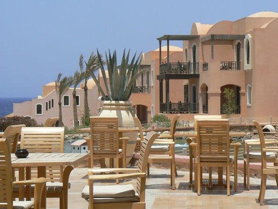 Radisson Blu Resort, El Quseir: genieten van een drankje buiten
