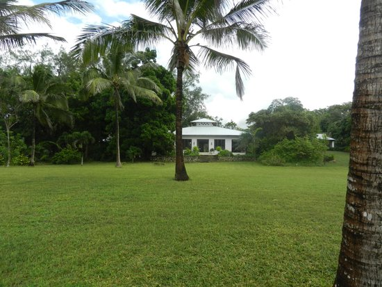 Four Twenty South Beach Cottages : Dzumbe House from the beach side