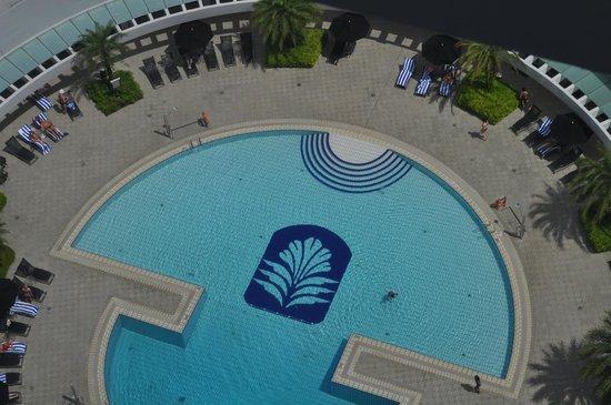 Pan Pacific Singapore: Swimming pool view