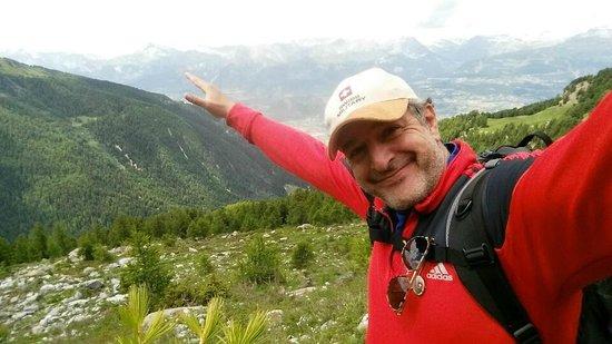 La Diligence: Trekking in the Valais Region, near Crans-Montana