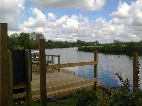 Waters Edge Bramerton: Waters Edge, Eat and enjoy