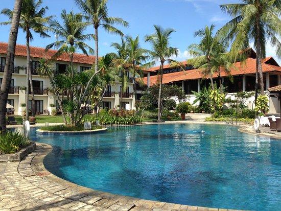 Sheraton Lampung Hotel : Swimming pool
