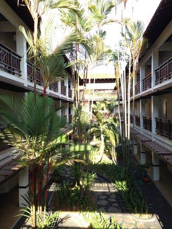 Sheraton Lampung Hotel: Outdoor open space