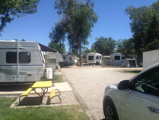 Red Ledge RV Park & Campground: Стоянки