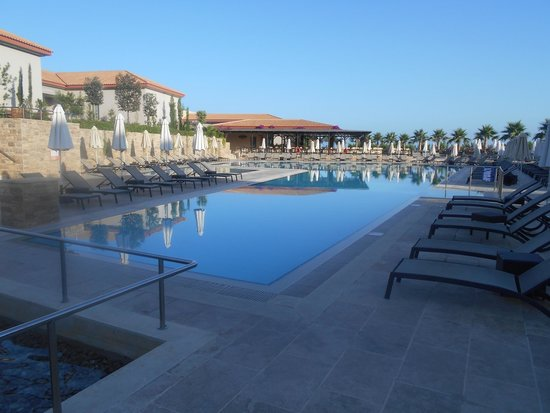 Apollonion Resort & Spa Hotel: Pool area