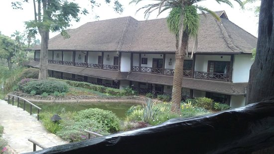 Safari Park Hotel : The set up of the rooms in blocks around the grounds