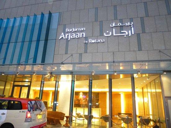 BurJuman Arjaan by Rotana - Dubai: Front of Hotel
