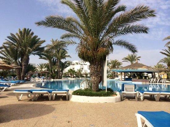Fiesta Beach Club Djerba : Piscine principale
