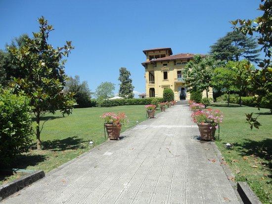Villa Moorings Hotel: ingresso struttura