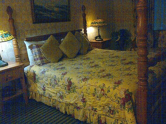 Carmel Inn & Suites: Room 29