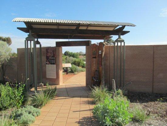 Australian Arid Lands Botanic Garden: Well Presented