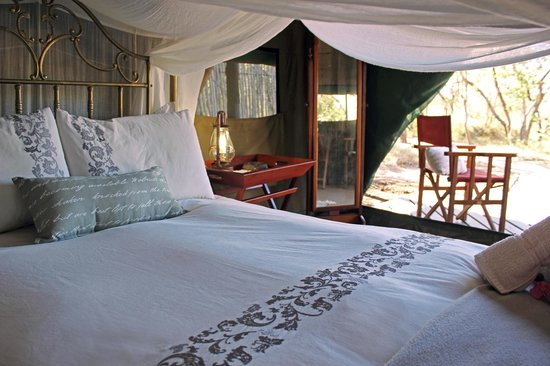 KwaMbili Game Lodge: View out from tent