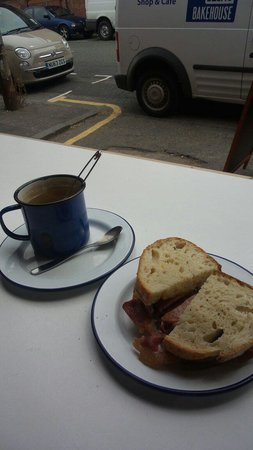 Baltic Bakehouse: Bacon sandwich and a cup of tea