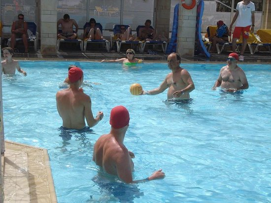 Annabelle Beach Resort : Water polo in the beach pool