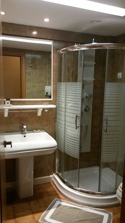 Egnatia City Hotel & Spa : Dark look and strange smell