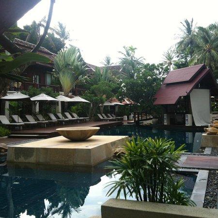 Chaweng Regent Beach Resort : pool view room