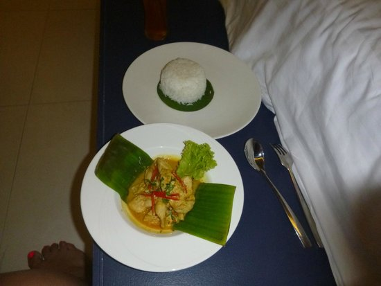 Sea Sun Sand Resort & Spa : Room Service - Thai Curry
