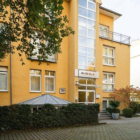 NH Frankfurt Villa: Facade