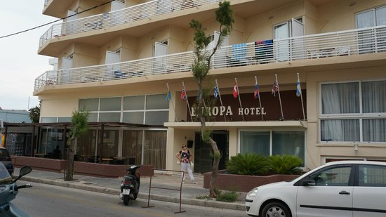 Europa Hotel Rooms and Studios : Фасад