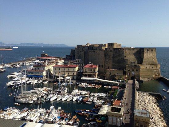 Grand Hotel Vesuvio: vedi napoli e poi muori