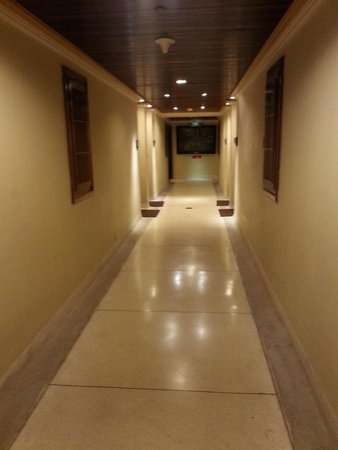 INTERCONTINENTAL Bali Resort : look at the corners....they have turned black