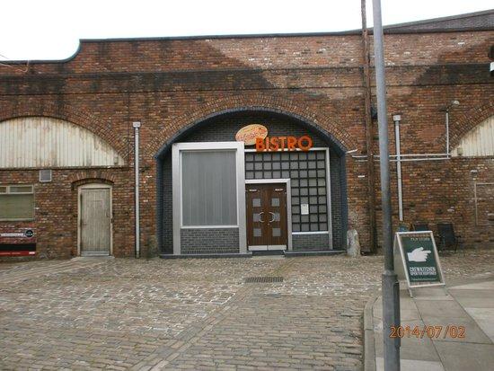 Granada Studios: BISTRO