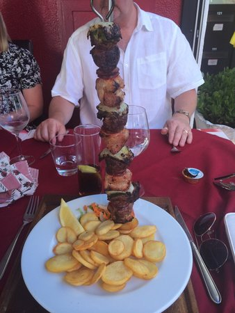 restaurante  A BROA: Lovely mixed kebab!